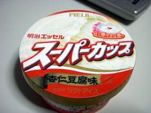スーパーカップ杏仁豆腐