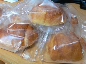 冷凍ロールパン