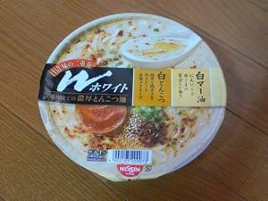 日清味の二重奏 Wホワイト濃厚とんこつ麺