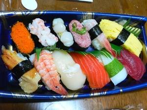 火曜市のにぎり寿司