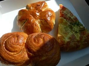 バローの総菜パン