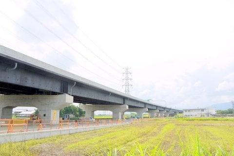 大垣南自動車学校と東海環状道の写真