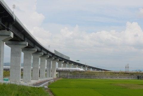 東海環状道と東海道新幹線の写真
