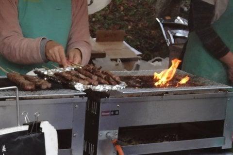 飛騨牛の串焼きの写真