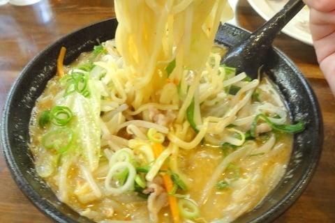 ベトコンラーメンの麺の写真