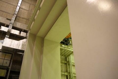 LHDの大型扉の写真