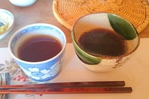 そば湯とそば茶の写真