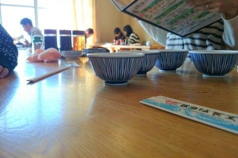 まるは食堂のお座敷席の写真
