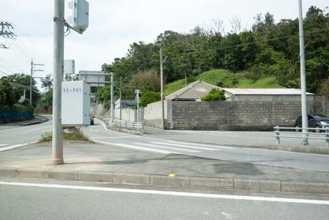 左折可の交差点の写真