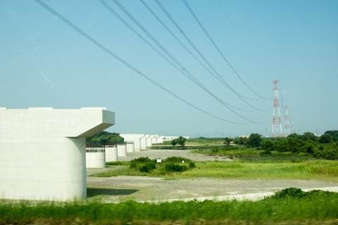 揖斐川の橋の橋桁の建設中の写真
