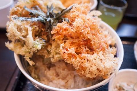 駿河丼のかき揚げの写真