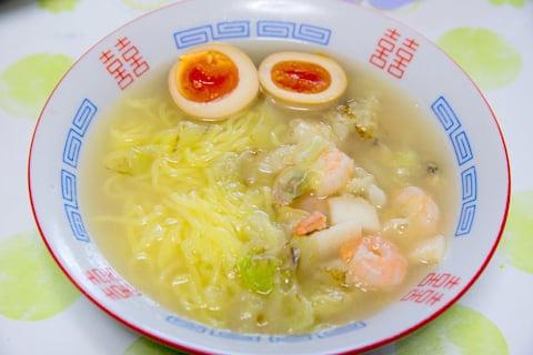 ツルヤの冷凍中華麺でラーメンの写真