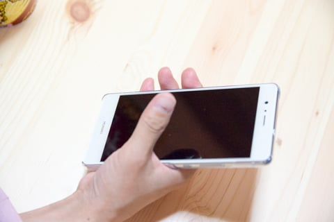 HUAWEI P9 liteの大きさの写真